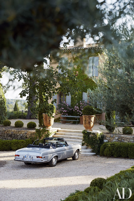 South Of France Home : vintage Mercedes-Benz convertible.