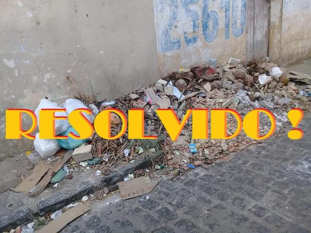 Após denuncia aqui no Coisas da Vida, lixo é retirado do beco da Primor