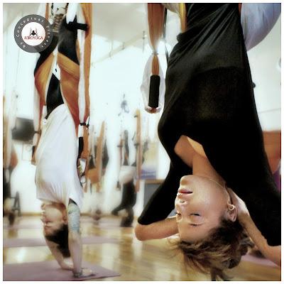 yoga aéreo, aeroyoga, coronavirus, salud, wellness, bienestar, ejercicio, belleza, tendencias, moda, cursos, clases, online, en línea, cursos adistancia, formación a distancia, formación yoga online