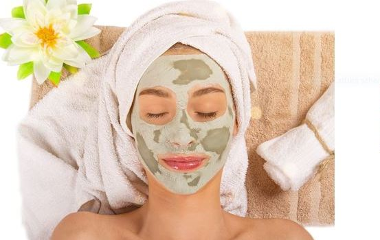 Applicare su viso e collo massaggiando