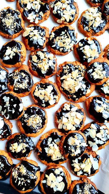 ciasteczka owsiane, szybkie ciastka z bakaliami,ciasteczkałatwe,szybkie ciasteczka ditetyczne,fit ciasteczka,ciasteczka zpłatków owsianych,kupiec zdrowa radosc zycia,z kuchni do kuchni,