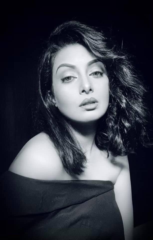 বাংলাদেশী অভিনেত্রী আয়েশা সালমা মুক্তির কিছু ছবি 9