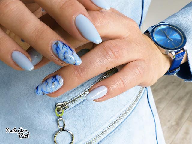 Nail Art - Marbre bleu ciel hyper facile en VSP par Nails Arc en Ciel