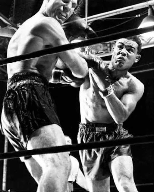 Joe Louis defeats Lou Nova at Yankee Stadium 29 September 1941 worldwartwo.filminspector.com