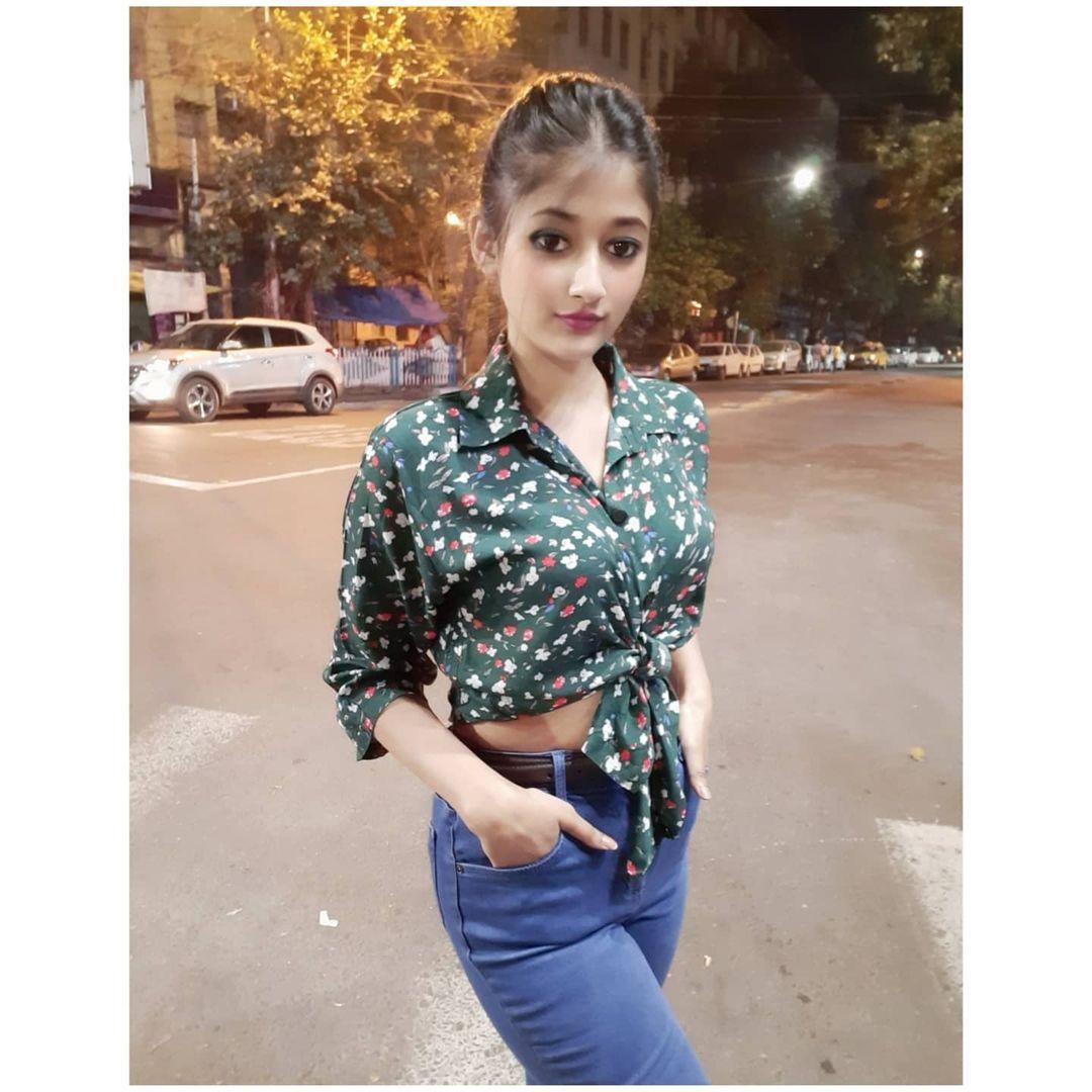 Bengali Model Swasti Das Instagram Photos