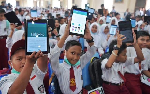 Wuaah! Setelah Subsidi Pulsa, Kini Pemerintah Bagi-bagi Tablet Murah