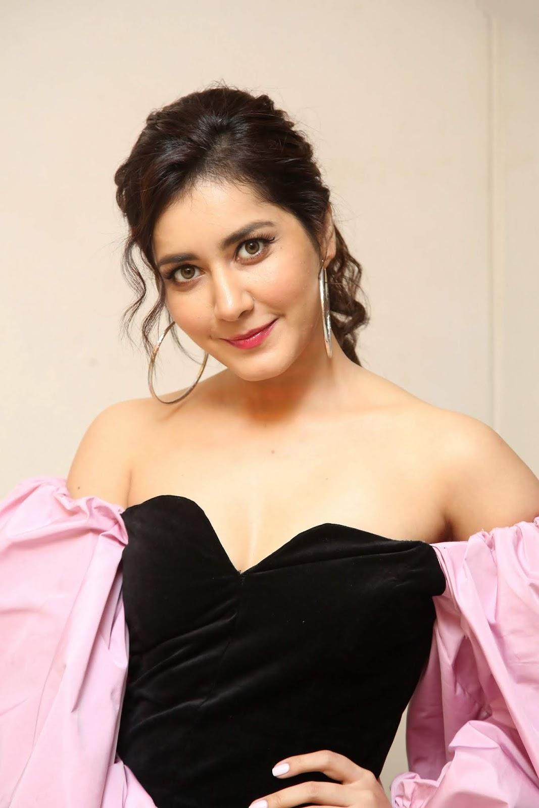 Raashi Khanna Hot at Oo Bava Song Launch