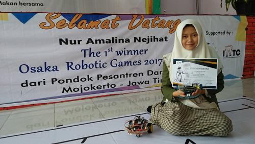 Keren, Santri Putri Ponpes Dar El Hikam Raih Emas Kontes Robot di Jepang