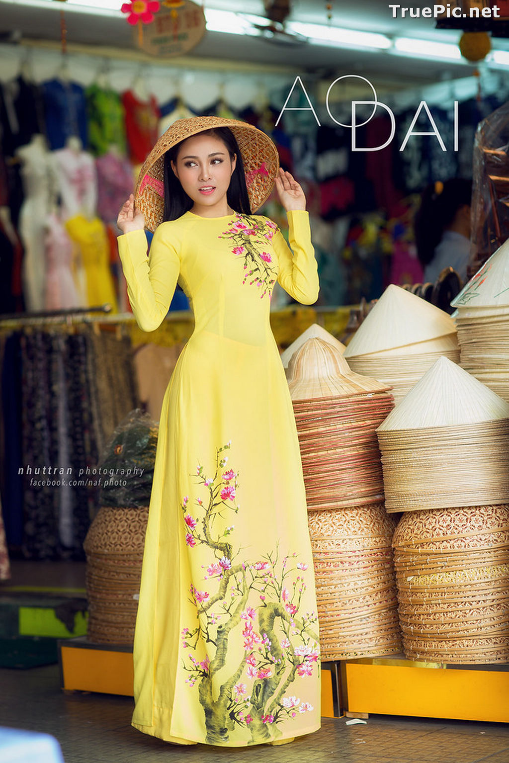 Image The Beauty of Vietnamese Girls with Traditional Dress (Ao Dai) #5 - TruePic.net - Picture-10