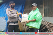 Wujud Kepedulian, Polsek Bungoro Bagikan Bantuan pada Warga