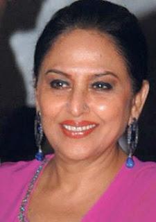 Biodata Anju Mahendroo sebagai pemeran Savitri Devi/ Dadi maa
