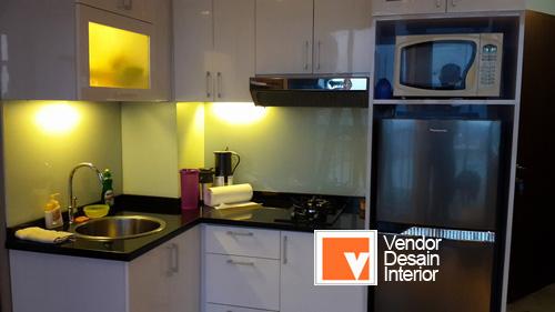 Dapur Orange Abu Minimalis Ini Merupakan Yang Diberikan Untuk Klien Kami Di Daerah Apartemen Kalibata Desain Ruangan Cukup Besar