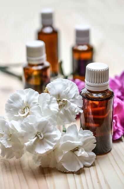 Do Fragrance Oil Safe For Skin