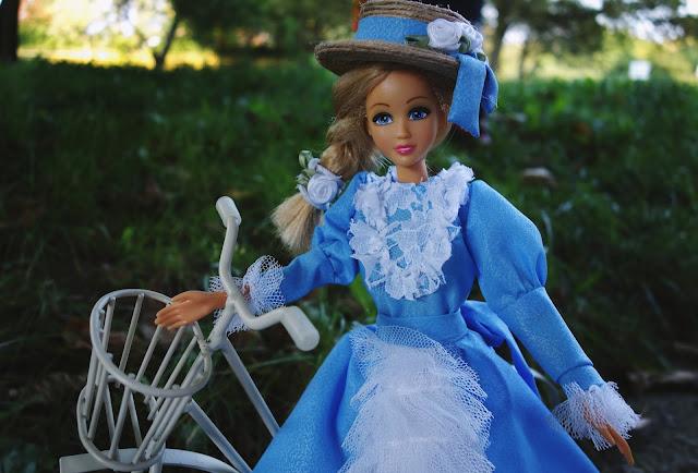 suknia z XIX wieku dla Barbie