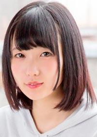 Actress Maika Hizumi