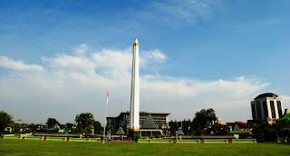 Gambar tugu Pahlawan Surabaya