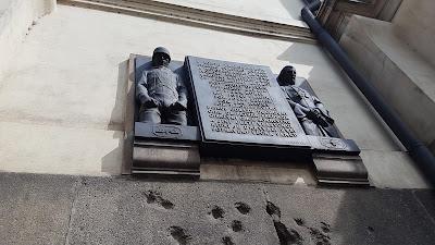 Cattedrale dei Santi Cirillo e Metodio fori di proiettili nazisti