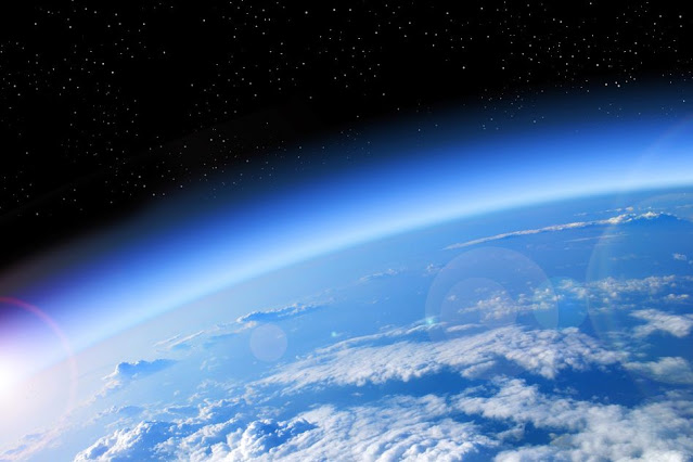 How much longer will the oxygen-rich atmosphere be sustained on Earth?