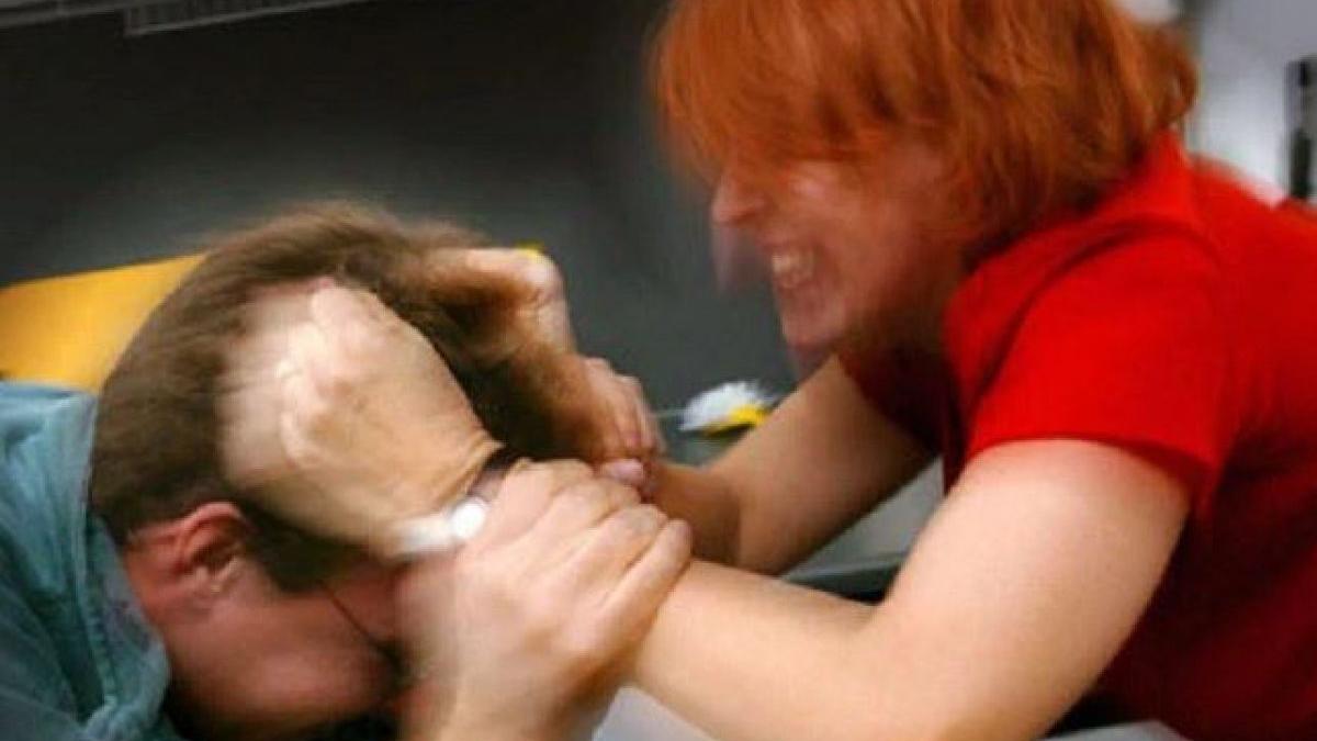 violenza contro uomo violenza domestica Carabinieri via Fleming