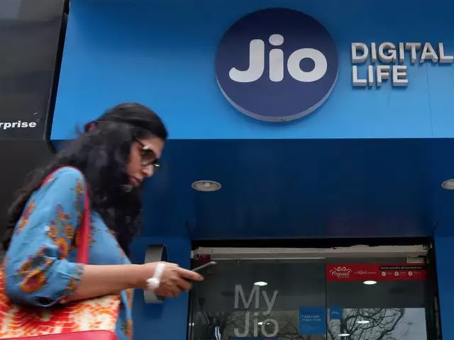 jio customer care numbers |  For all jio products and services
