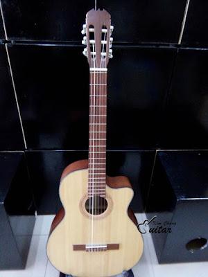 Bán Đàn Guitar classic cho người mới học giá 850k