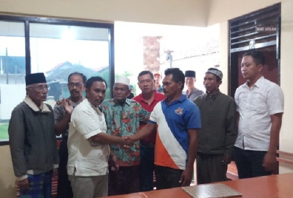 Oknum Petugas Pelabuhan OPP Klas III Sapudi Menangis, Akhirnya Minta Maaf Ke Wartawan