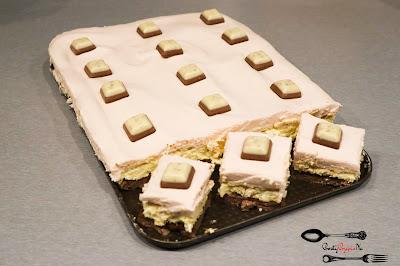 Boże narodzenie, ciasta i desery, ciasta na Boże Narodzenie, ciasto na biszkopcie, ciasto na imprezę, ciasto na święta, ciemny biszkopt, mleko w proszku, świąteczne ciasto, Święta Bożego Narodzenia,