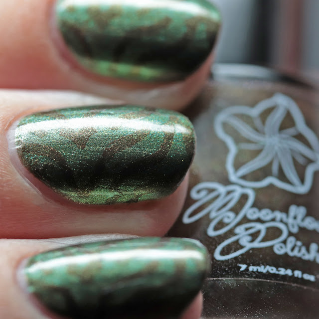 Moonflower Polish Fall Harvest stamped over Spanish Moss using Über Chic 22-03 plate