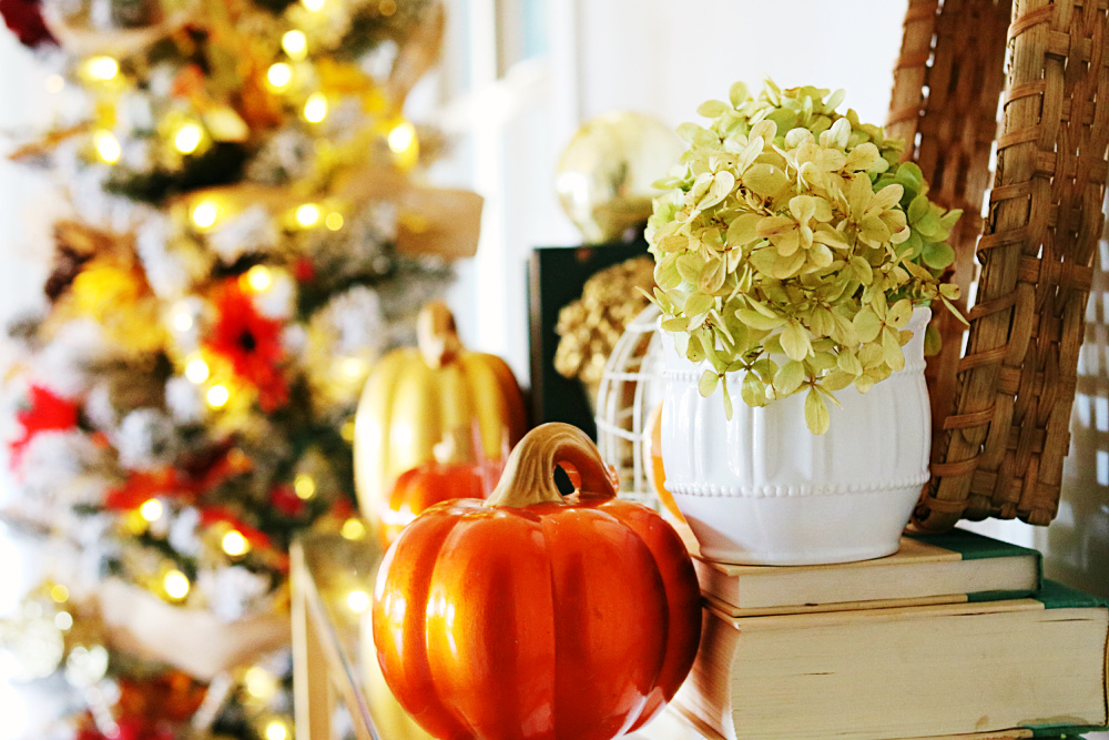 Fall-Harvest-Tree-decorating-décor-fall-leaves-evergreen-tree-athomewithjemma
