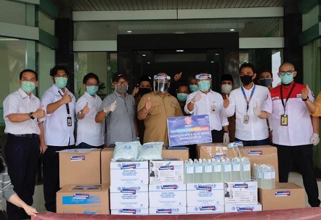 Bandara Soetta Serahkan Bantuan APD Ke Tim Medis Tangerang