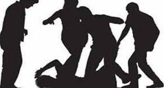 প্রেমিকার সামনে প্রেমিককে পিটিয়ে হত্যা করলো উত্যক্তকারীরা