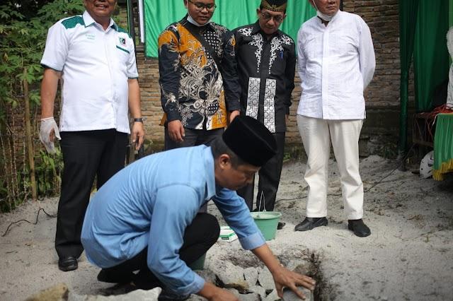 Walikota Pematang Siantar Letakkan Batu Pertama Pembangunan Sekretariat Yayasan Hijau Hitam Habonaron