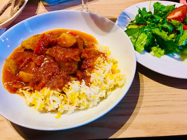 UAE chicken salona with saffron rice