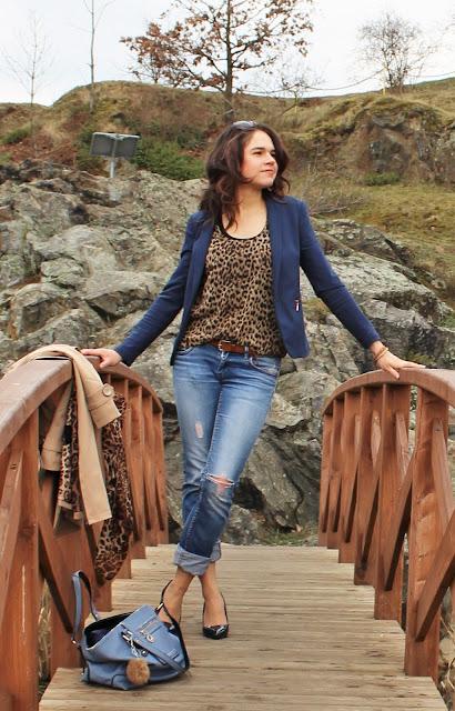 jeansy-z-dziurami-stylizacja-do-pracy-wi
