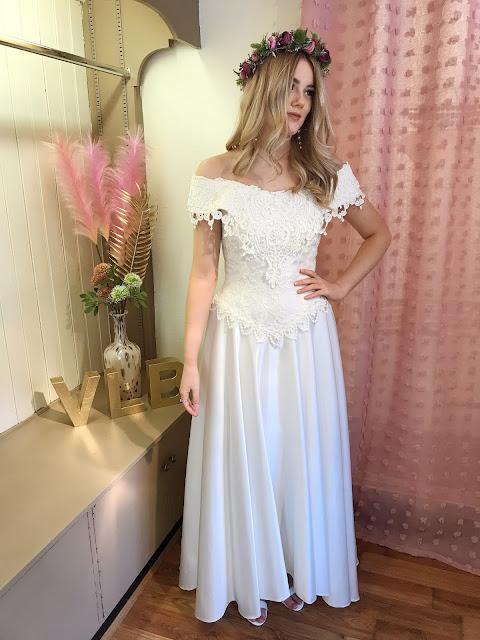 Off the shoulder vintage wedding dress