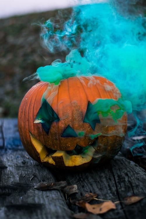 desktop background snoopy halloween