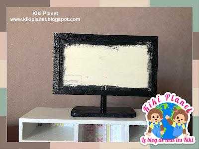 kiki monchhichi television miniature poupée handmade fait main meuble