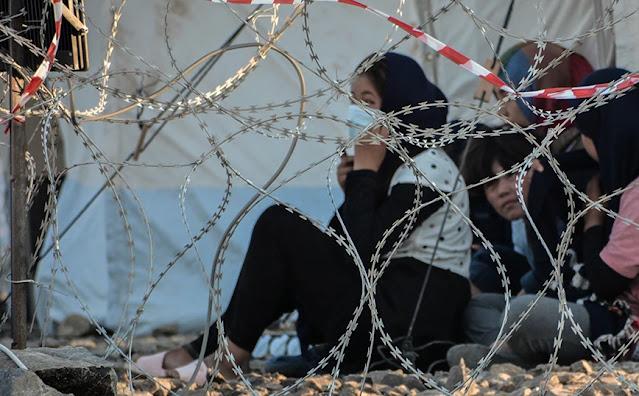 Λιγότεροι από 10.000 είναι οι αιτούντες άσυλο στα κέντρα υποδοχής και ταυτοποίησης στα ελληνικά νησιά, όπως ενημέρωσε το υπουργείο Μετανάστευσης και Ασύλου. Μάλιστα, όπως τονίζεται, αυτό συμβαίνει για πρώτη φορά από το 2015.