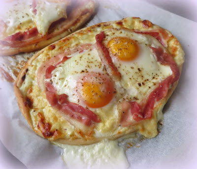 Croque Madame Pizzas
