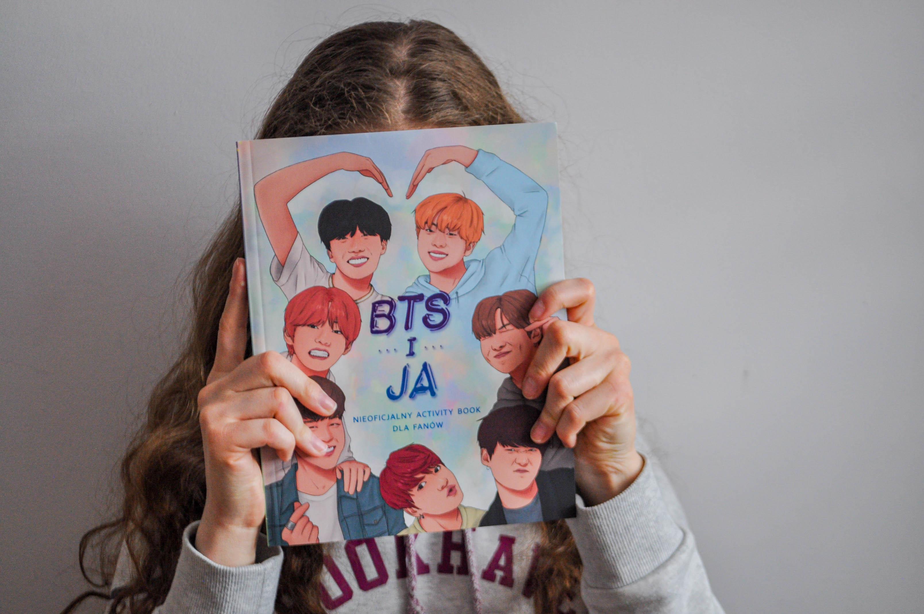 """""""BTS I JA Nieoficjalny activity book dla fanów"""" - Becca Wright 📘📖"""