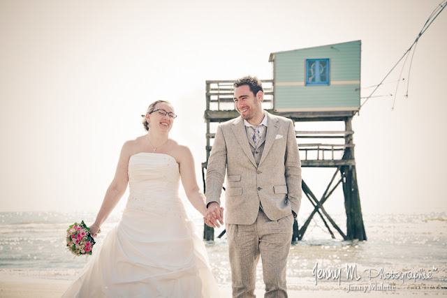 photo mariés devant carrelet pêcheur, océan atlantique