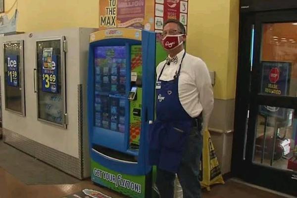 Grocery store worker returns $1,000 money order to customer|interesting news|