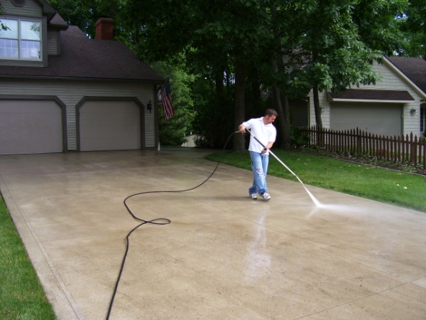 5 Tips for Effective Driveway Cleaning