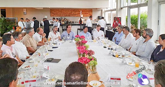 Promueve el presidente Víctor Mas Tah turismo e inversión inmobiliaria