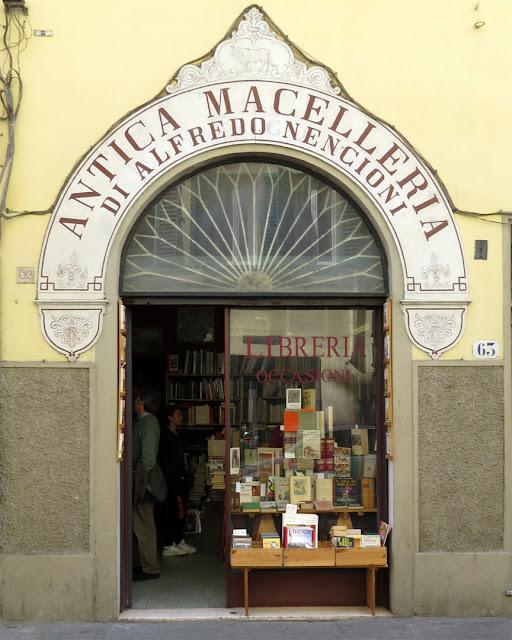 Antica Macelleria di Alfredo Nencioni (Alfredo Nencioni Old Butcher's), now a bookshop in Via Ghibellina, Florence