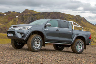 Toyota Hilux AT35 Double Cab (2018) Front Side 1