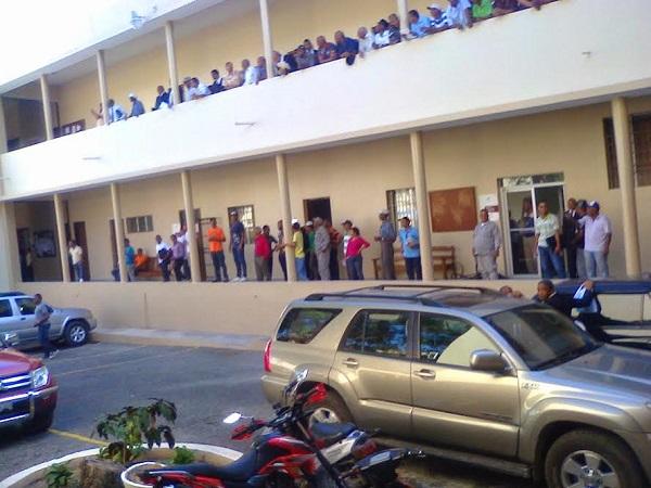 Acusan  DNCD propinar golpiza a los apresados en caso de la droga ocupada en Playa San Rafael