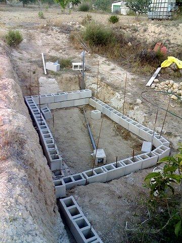 El Maestro De Obras Xavier Valderas Construir Los Cimientos