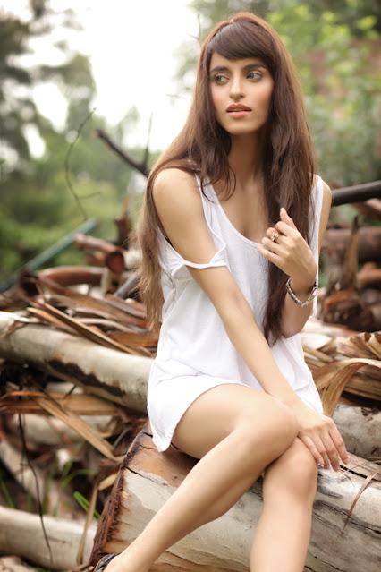Serah Singh Super Beauty Indian Film Actress and Model Actress Trend