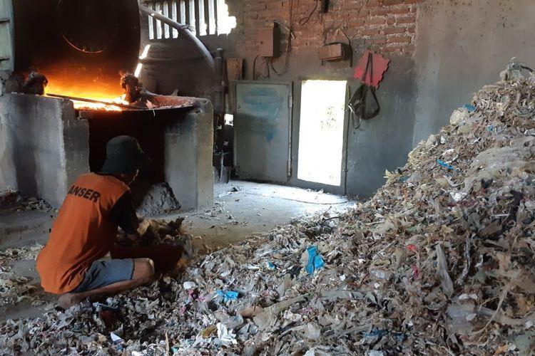 Media AS Soroti Pabrik Tahu Di Indonesia Yang Menggunakan Bahan Bakar Plastik